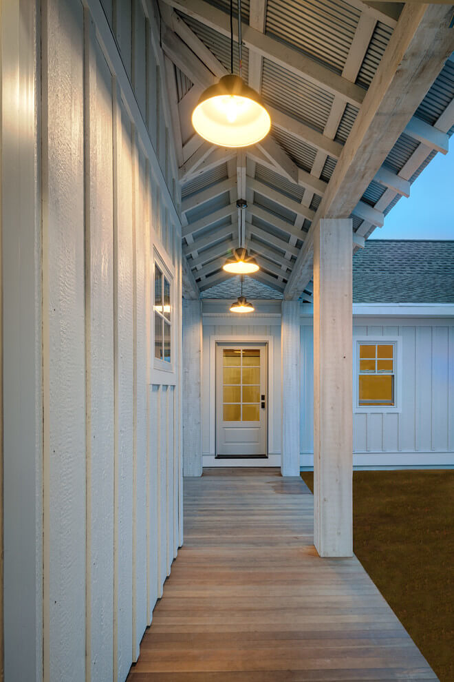 farmhouse exterior beams